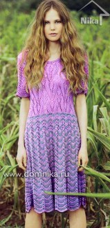 Платье с волнистым и ажурным узорами