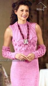 Шерстяное розовое платье