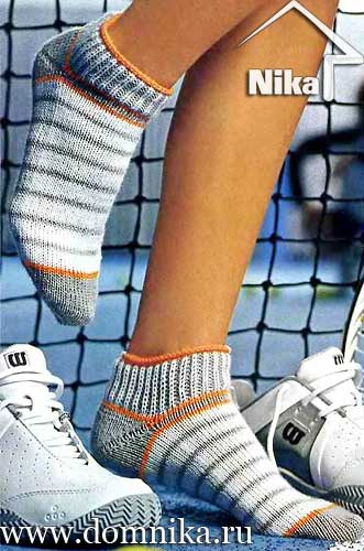 Вязание на спицах коротких носков с узором