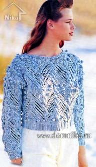 Эффектный женский пуловер с косами и шишечками
