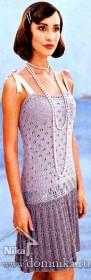 Вязаное платье с ажурными узорами