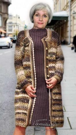 Вязаное пальто для дам пожилого возраста
