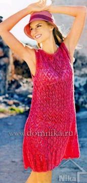 Красное вязаное платье со схемами