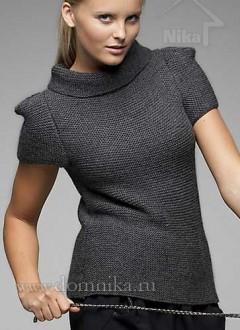 Стильный пуловер спицами с коротким рукавом