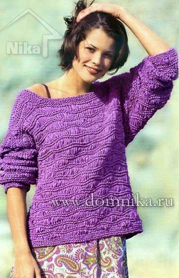Сиреневый вязаный пуловер спицами
