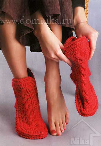 Вязаные носки-сапожки