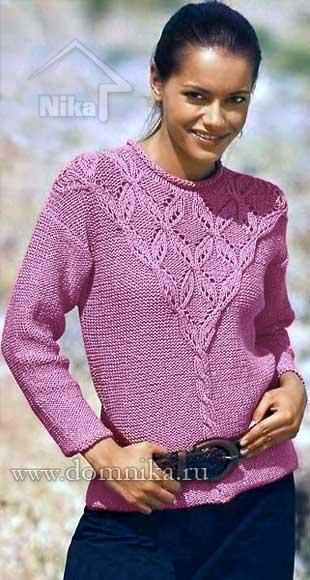 Вязаный свитер с ажурной кокеткой