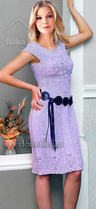 Красивое вязаное женское платье