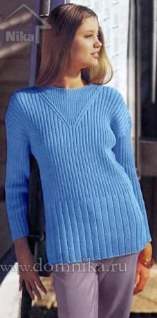 Простой вязаный свитер спицами
