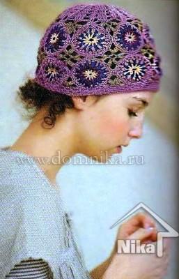 Цветная шапочка из мотивов крючком